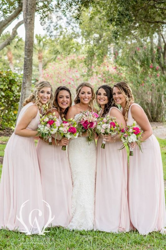 Brides and Bridesmaids Bouquets in Shades of Pink and Green