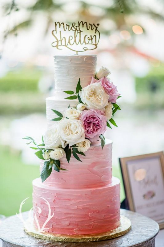 Cake with Fresh Roses in Pink, Blush, and Cream