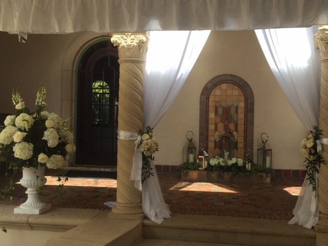 Ceremony on Powel Crosley Loggia