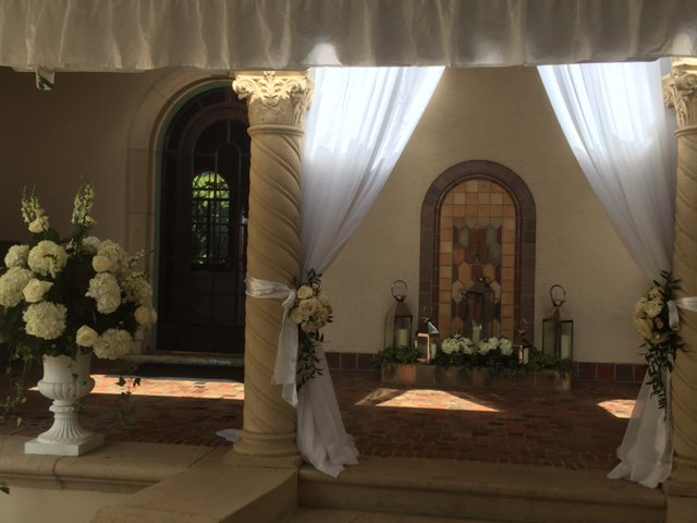 Crosley Drape with Flowers for Ceremony