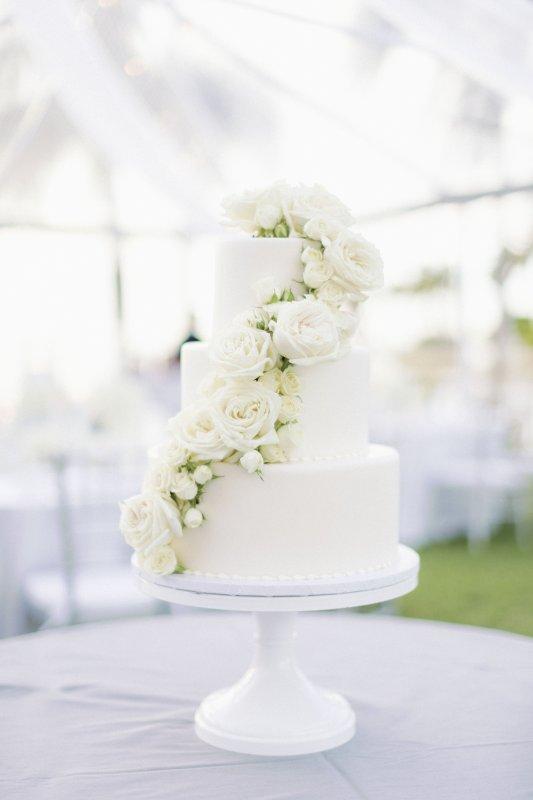 Wedding Cake with White Garden Playa Blanca Roses and Spray Roses