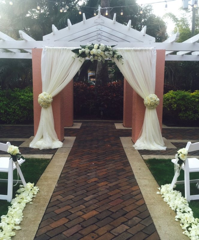 Wedding Ceremony Site at the Vinoy Renaissance