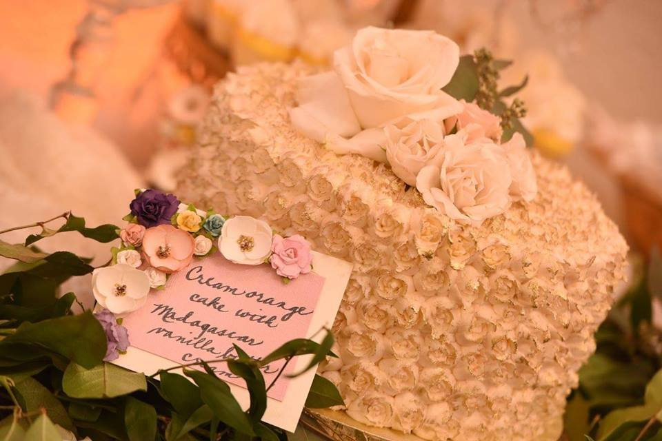 Cake with Flowers and Description