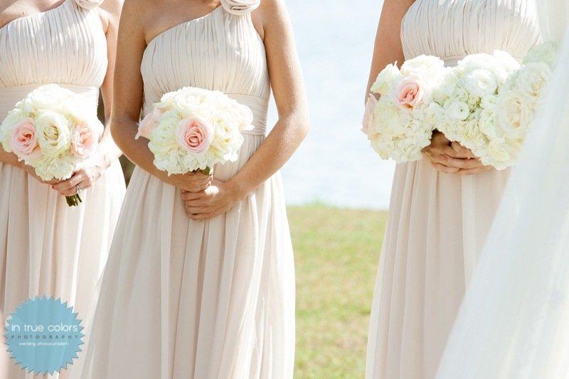 Bridesmaid bouquets, Destination wedding