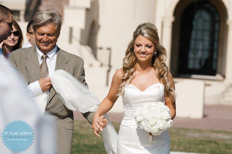 Bride with elegant garden boquet, destination wedding