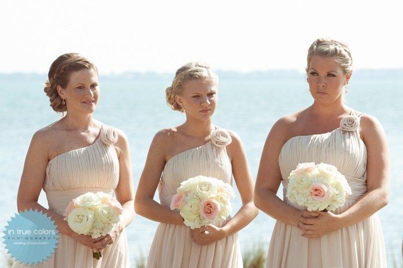 bridesmaid bouquet, destination wedding