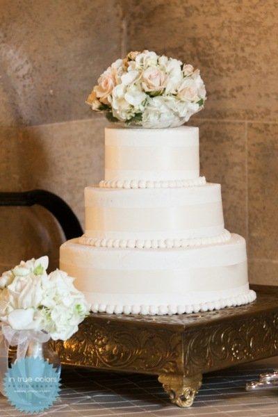 garden cake with fresh flowers, destination wedding