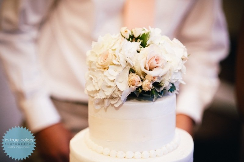 cake topper of hydrangea and roses