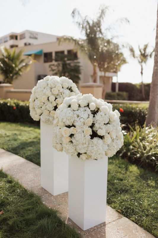 Columns in All White with Roses and Hydrangea