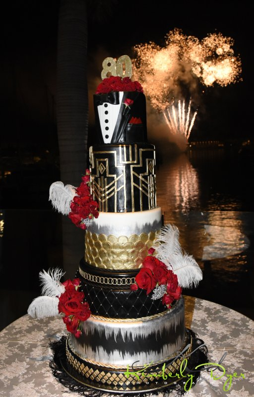 Amazing Great Gatsby Cake with Rose Roses and Ostrich Plumes