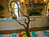 manzanita-tree-guest-table-centerpieces
