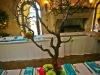 manzanita-tree-guest-table-centerpieces