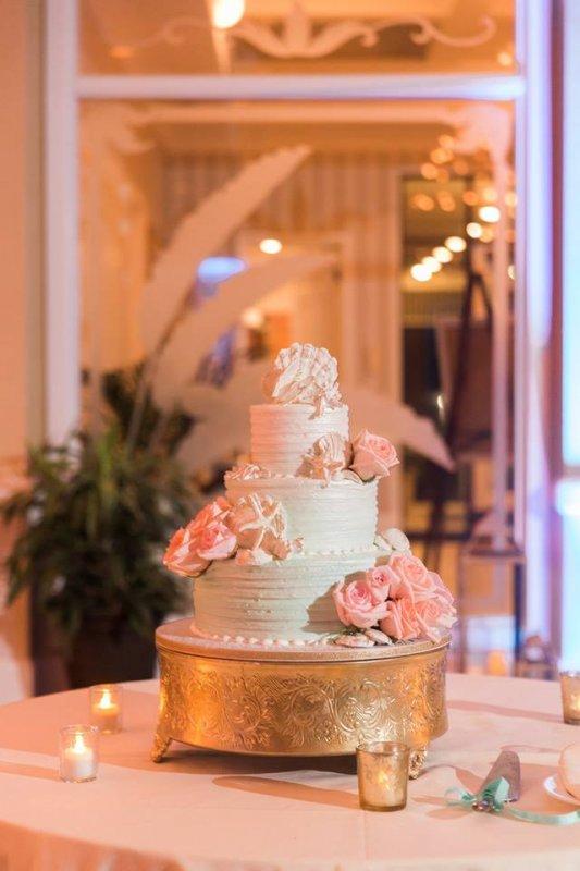 Beautiful Wedding Cake with Peach Roses