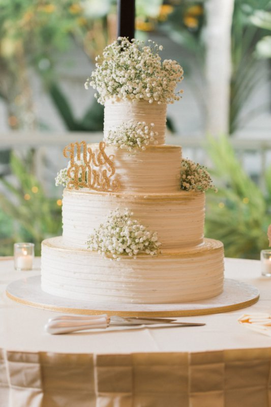 babys breath wedding cake country look wedding at longboat key club 11002