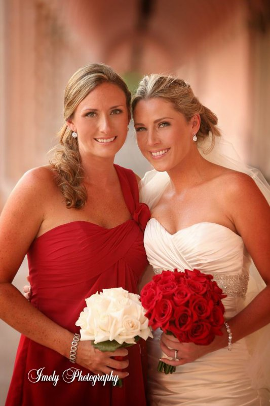 red-and-white-rose-wedding