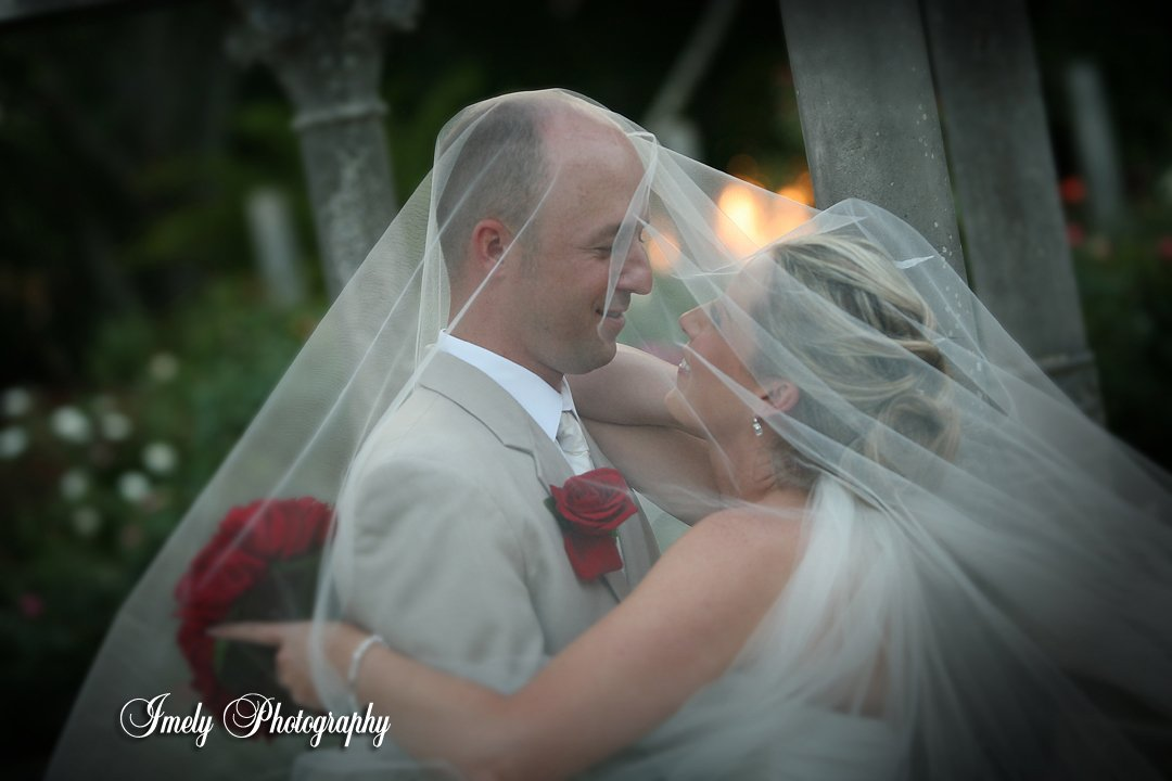 wedding-couple-at-ringling