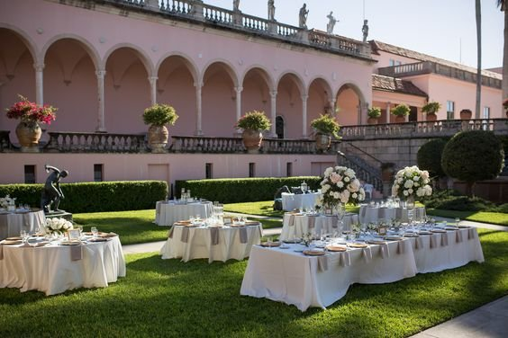 Guest Tables on Courtyard