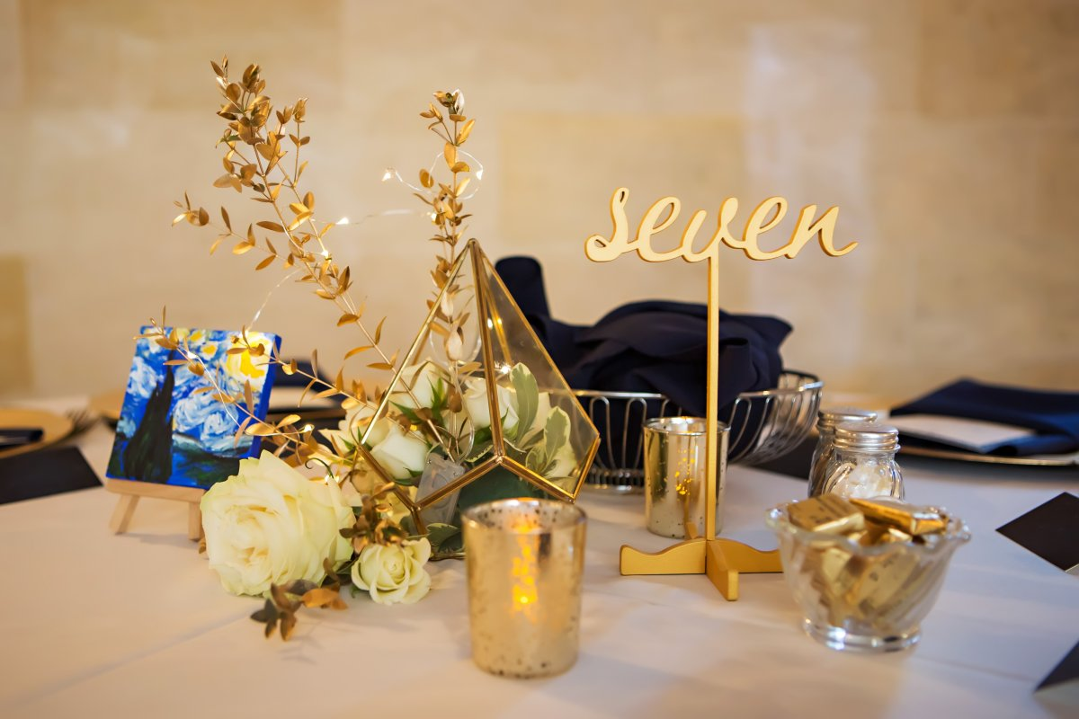 Guest Table with Gold Terrarium with Spray Roses