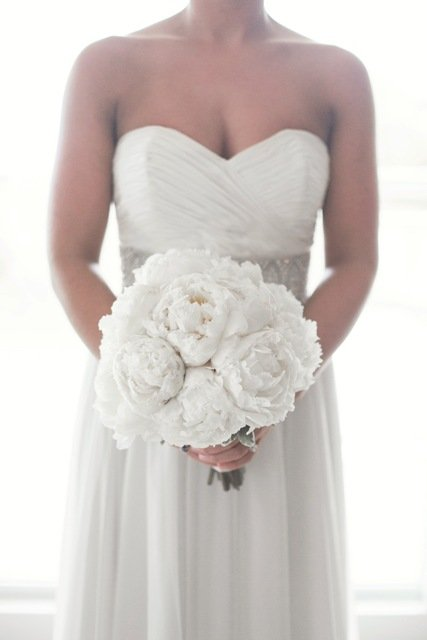 white-peony-bq-with-bride