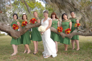 bridal-party-w-bouquets